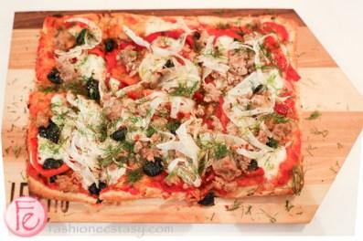 Levetto Italian Restaurant Salsiccia pizza