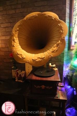 shanghai antique phonograph record player