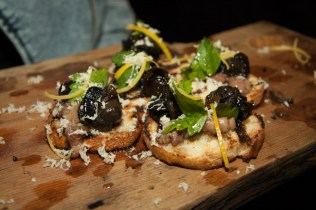bone marrow & snails crostini porzia