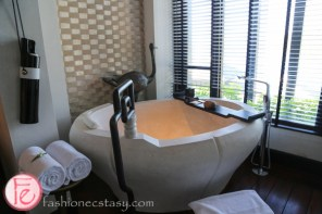 intercontinental hotel danang bathroom