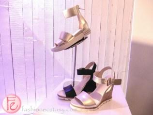 nine west metallic wedge shoes
