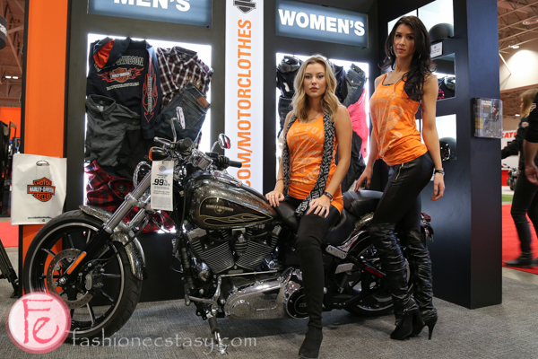 2016 motorcycle show Harley Davidson girls