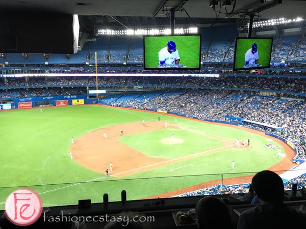 Samsung SUHD TV 4K the Blue Jays game