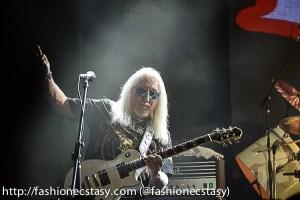 Mick Box, guitarist uriah help