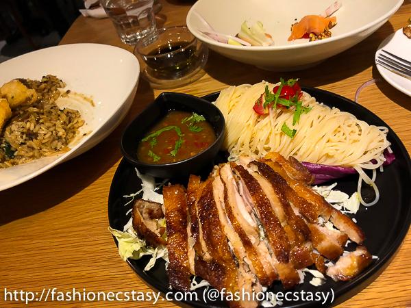 台北奎咖啡: 泰式椒麻雞涼麵 (Quays Cafe Taipei: Thai chicken noodles)