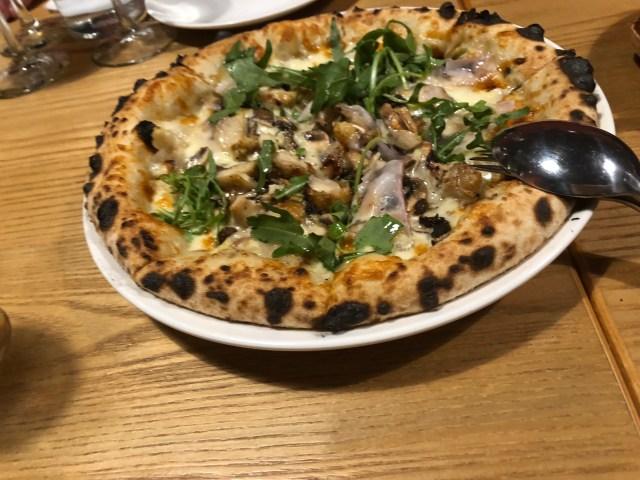 伊比利豬背油牛肝焗烤雞比薩 (PIZZA PORCINI)