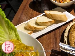 咖哩明蝦的軟法國麵包/ Curry Prawns bread