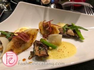 侯布雄米其林法式餐廳台北: 香煎蘑菇鴨肝餃(法式煎餃)與薑味鴨肉澄清湯: LES CHAMPIGNONS