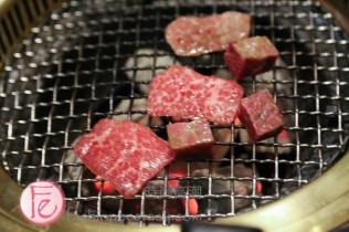 "米炭火燒肉十八啦通吃老饕級骰子牛」($268) ""Shibala (Taiwanese local dice game) Food Expert's Steak Cubes"" ($268)"