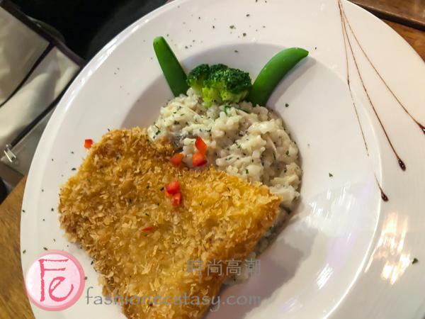 """「炸魚排松露燉飯」($250) / """"Fried Fish Fillet & Truffle Risotto"""" ($250):"""