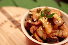Spicy Tako (Octopus) Poke by Chef Erwin Joaquin, Big E Hawaiian Grinds/ Chef Erwin Joaquin大廚所準備的「章魚夏威夷魚生飯」