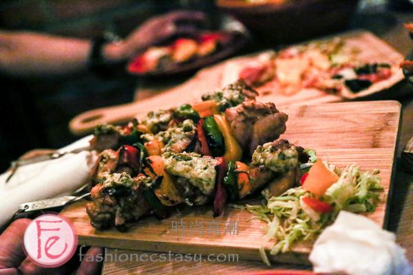 火烤雞肉串佐達爾馬提亞酸豆醬 / Chicken Skewers with Dalmatian Caper Sauce