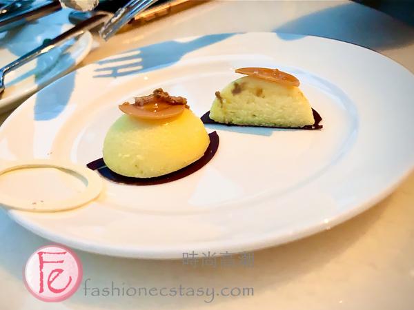 "「紅絲絨巧克力起司蛋糕佐百香果醬」/ ""Velvet chocolate ivory cheesecake, Passion fruit gel"""