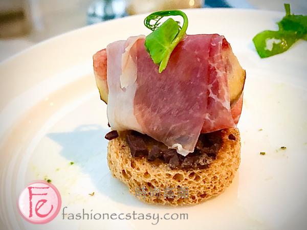 """「帕瑪火腿佐無花果可可豆」/ """"Aged Parma ham with Coco nips"""""""