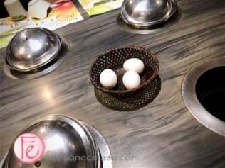 時尚高潮食記 - 鍋董刷刷鍋淡水火鍋餐廳 - 溫泉蛋製作中 / Guo dong Shabu-shabu hotpot restaurant tamsui review