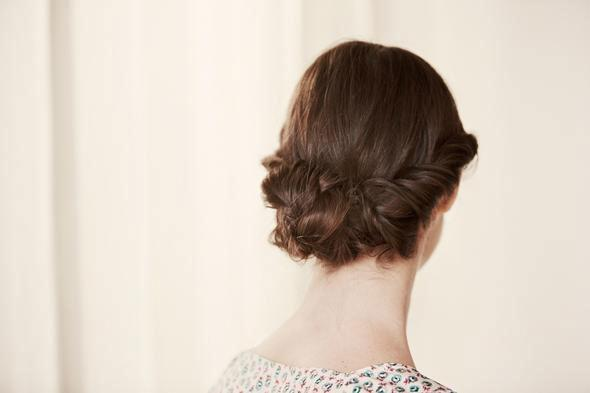 how-to-do-a-braided-bun-1-size-3