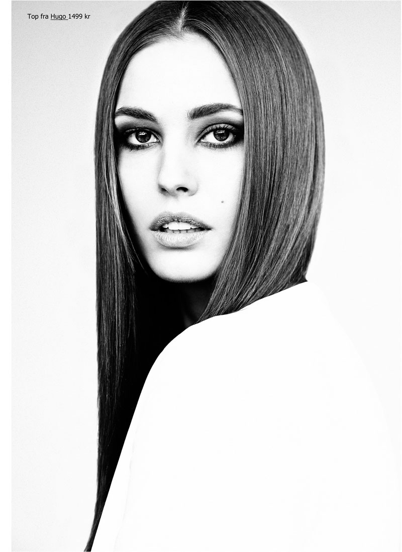 Nadja Bender Models Minimal Style For Eurowoman By Honer