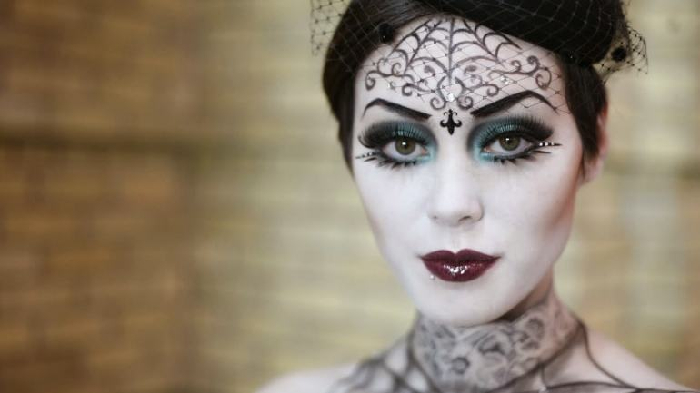 5 Awesome Halloween Costume and Makeup Ideas Inspired By Horror Movies