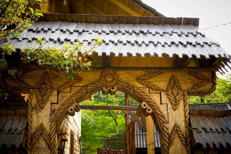 maramures-house-gate