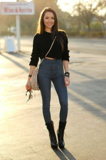 https://i1.wp.com/fashiongum.com/wp-content/uploads/2015/01/High-Waisted-Jeans-Style-Looks-17.jpg?resize=213%2C320