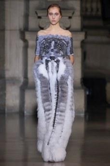 25-yiqing-yin-couture-spring-2016
