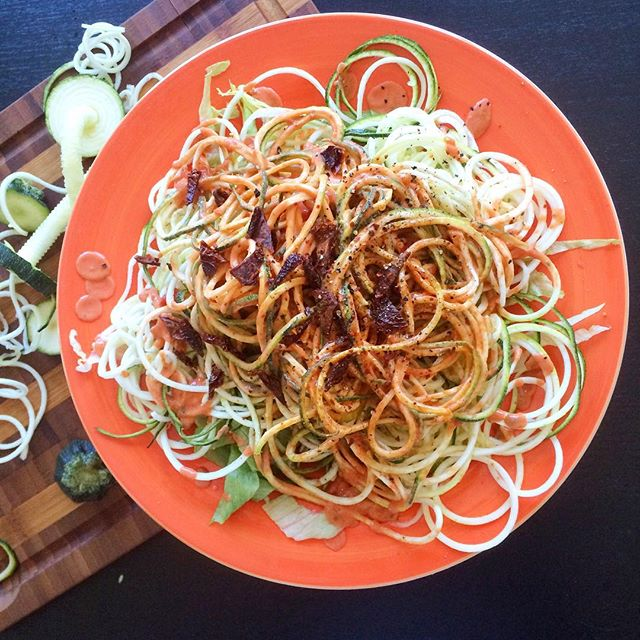 'Zoodles' (vegetable-based raw, noodles) as pasta substitute: check out more healthy recipes by top food instagrammers here!