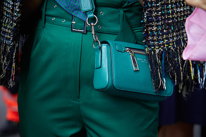 how-to-spot-a-fake-designer-bag-marc-jacobs