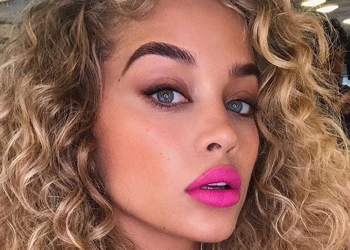 Fierce Pink Lip Colors To Copy From Celebs (25)