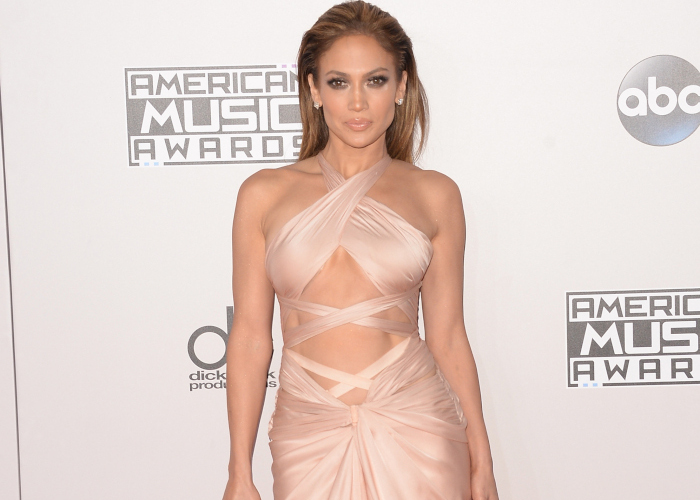 Celeb-Obsession-Sexiest-Nude-Dresses-on-The-Red-Carpet-Jennifer-Lopez