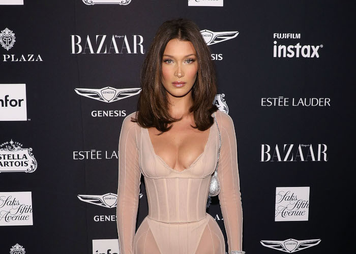 Are-Celebs-Bringing-Back-the-90s-Blowout-bella hadid
