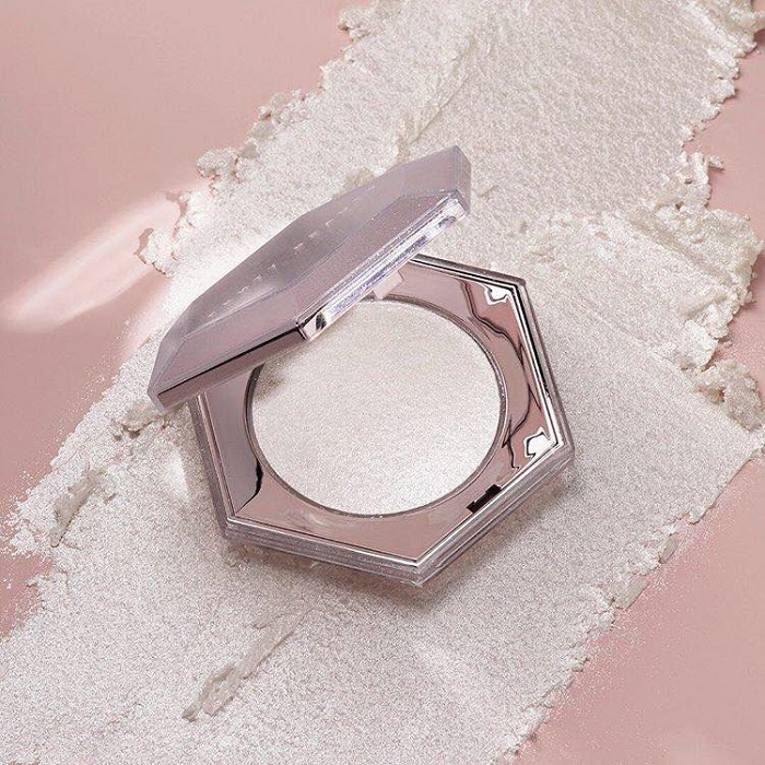 Fenty-Beauty-Drops-Diamond-Birthday-Collection-highlighter