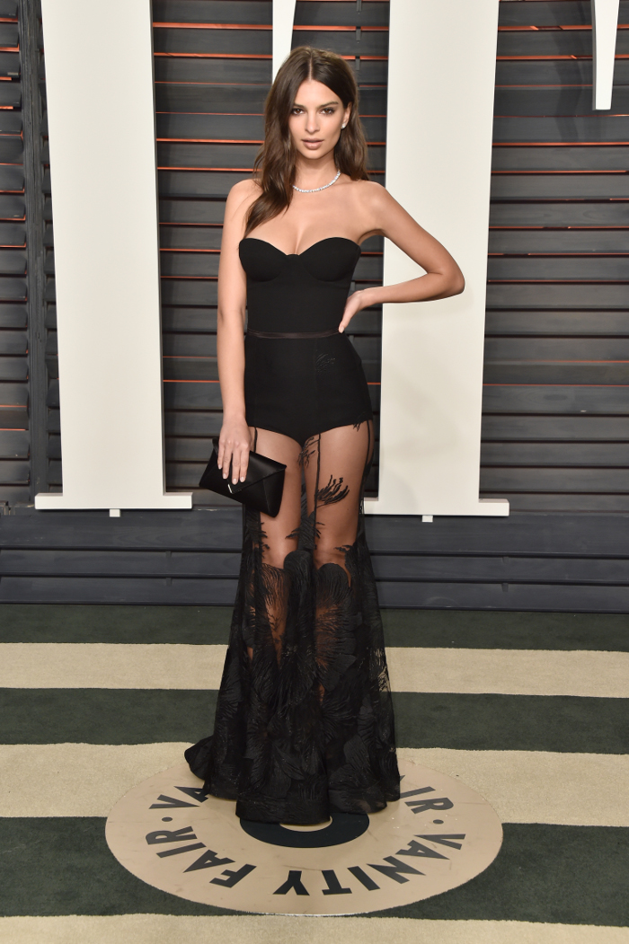 Sultry-Bustier-Dresses-Delivered-By-Stars emily ratajkowski