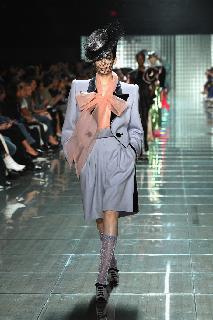 The-Runway-Looks-That-Proved-Bows-Are-Fashion-Chicest-Marc-Jacobs