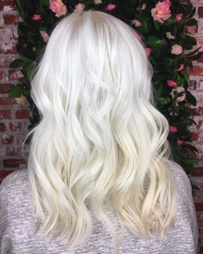 Scandi-Blonde-is-The-Hair-Trend-That-Will-Keep-You-Cool-During-Hot-Days-7