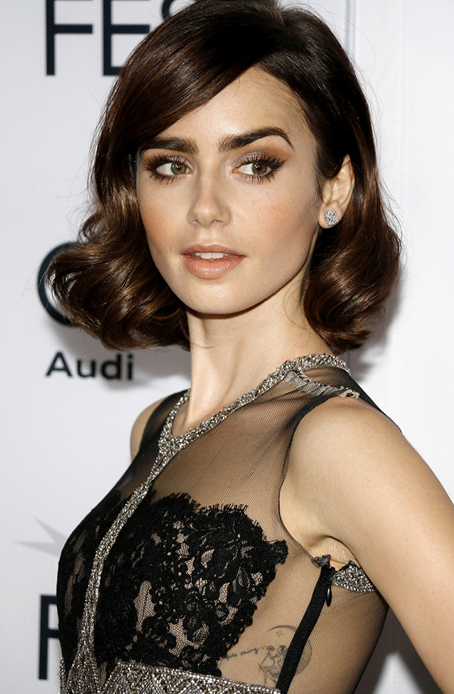 7-Celebrities-That-Rocked-the-Vintage-Look-lily-collins