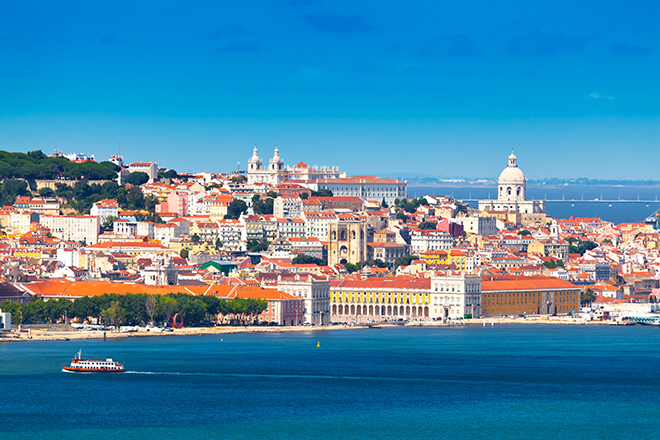 best-places-to-dress-up-in-lisbon-sea