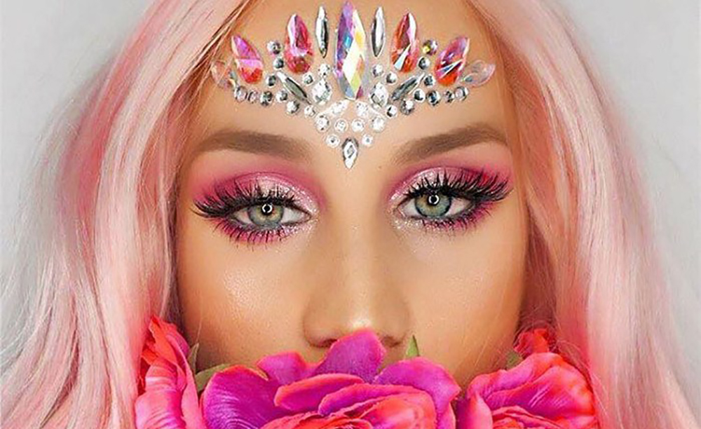 Your-Ultimate-Festival-Makeup-Inspo-Guide-13-1