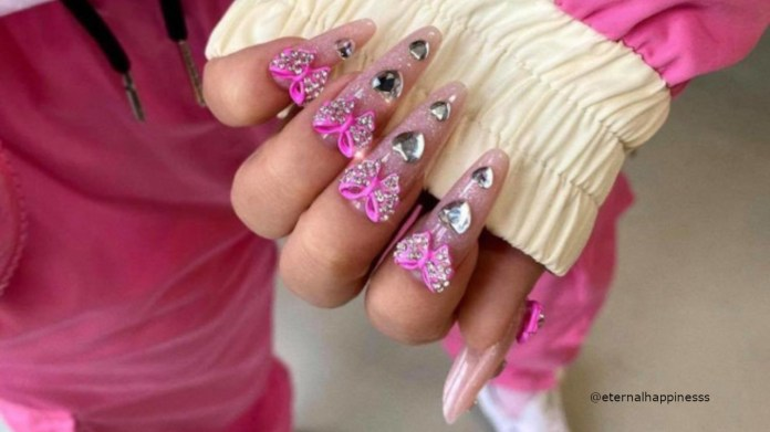 Bolden Up Your Look This Summer With 3d Nail Art Fashionisers C