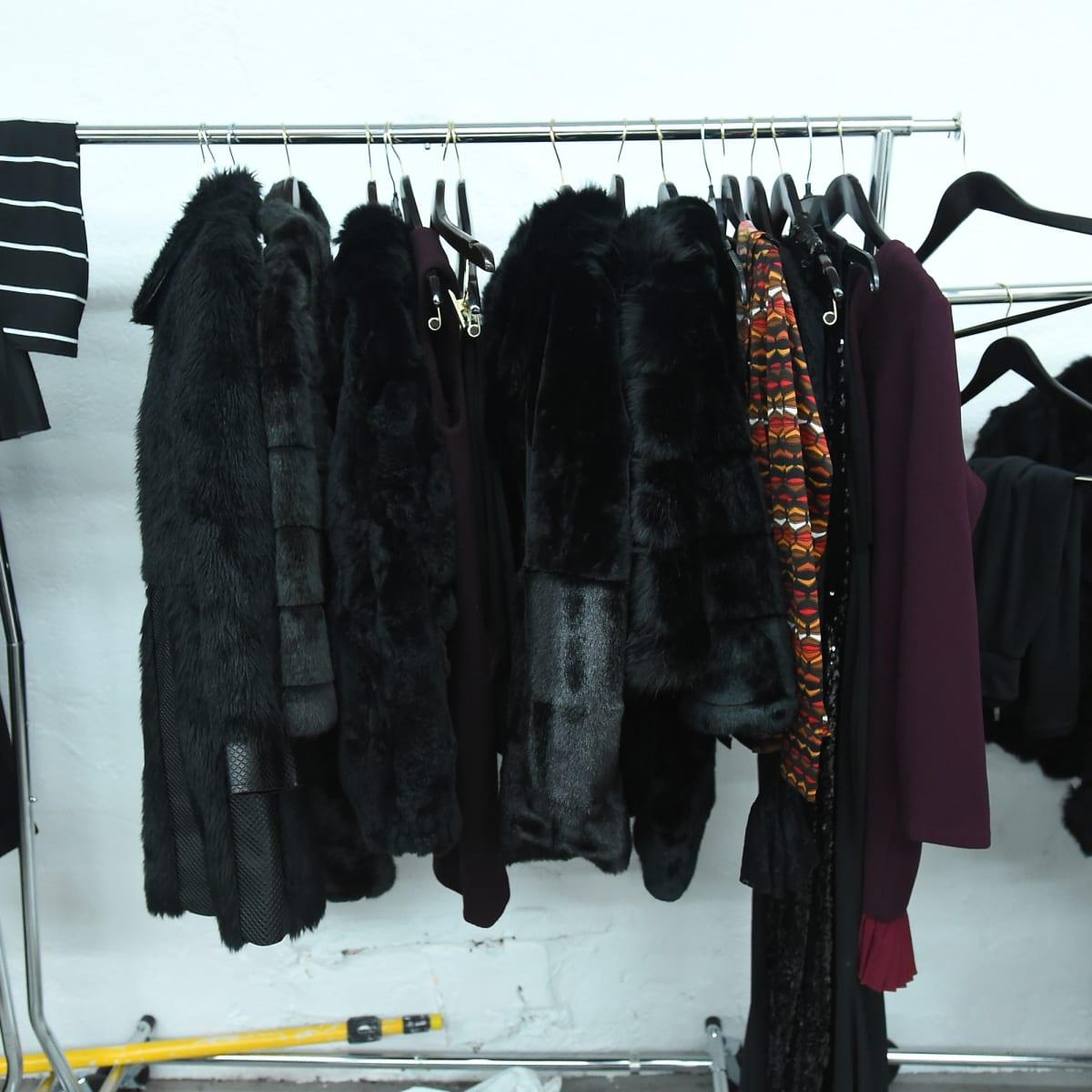 how to organize your closet like a