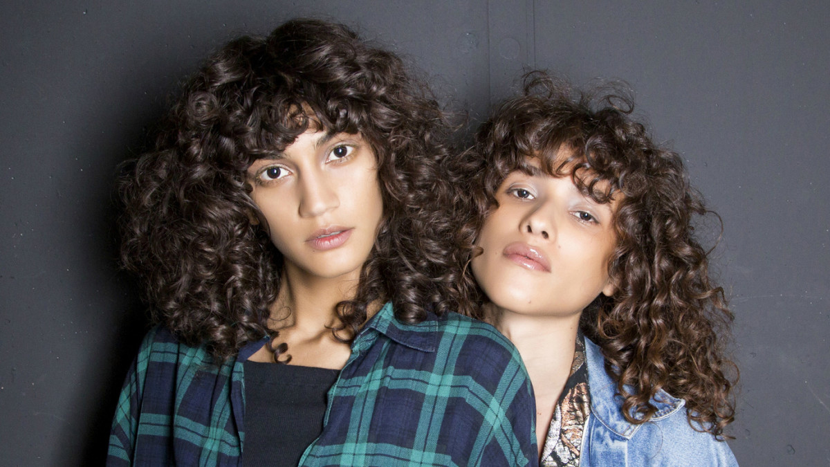 The Best Leave In Conditioners For Frizzy Curly Hair