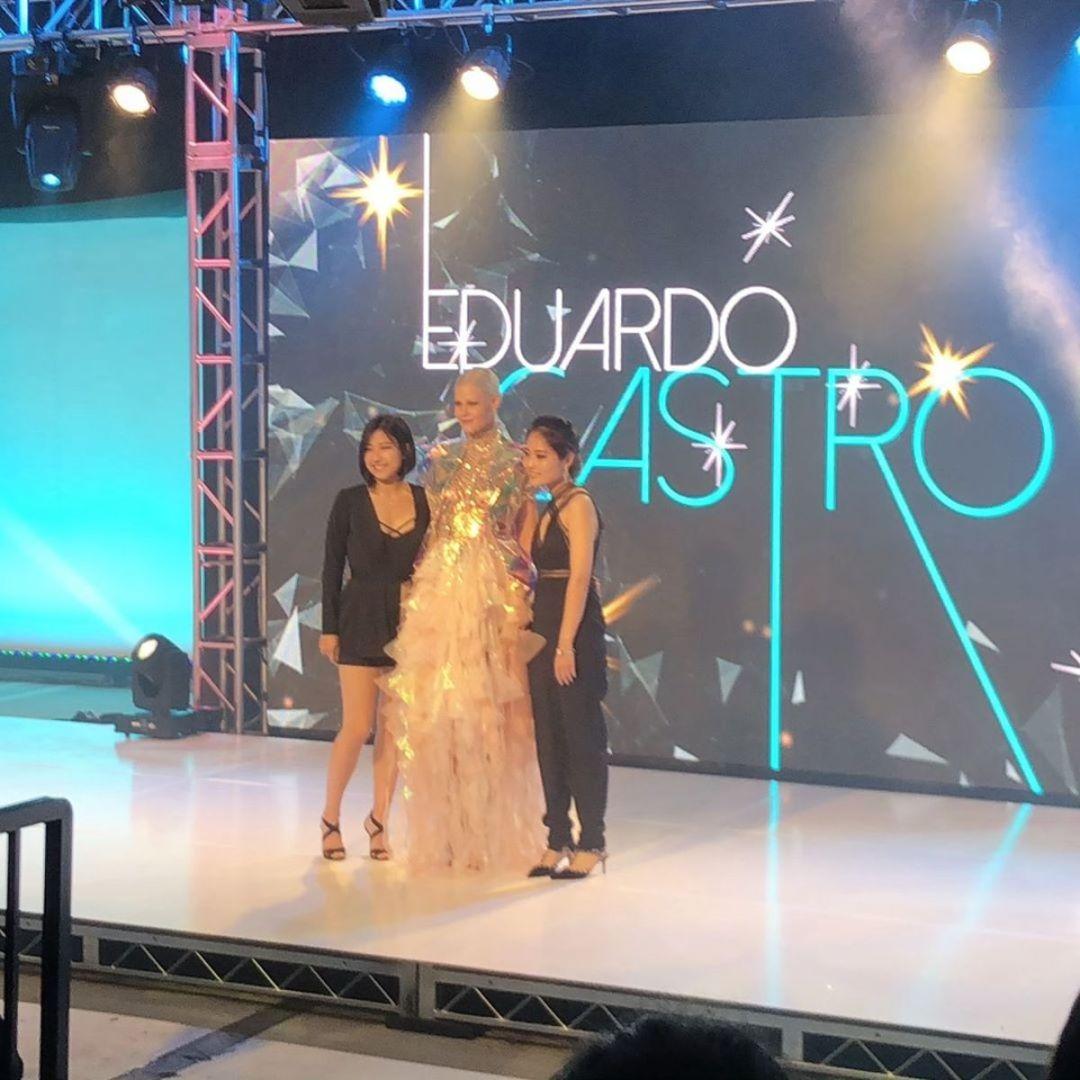 Jamie Lee (L) with her winning design for Eduardo Castro. Photo: Courtesy of Jamie Lee