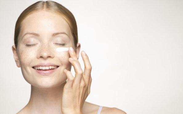 woman eye cream