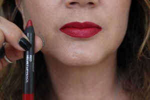 Mirabella Red Velvet Lip Pecil