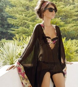 La-Perla-2012-Sixties-Flair-Beachwear-Ad-Campaign-08
