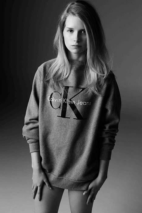 Lottie-Moss-for-Calvin-Klein-Jeans-01