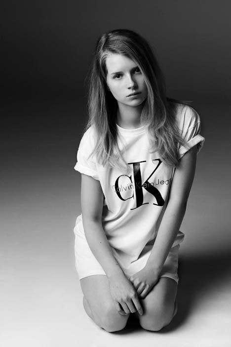 Lottie-Moss-for-Calvin-Klein-Jeans-03