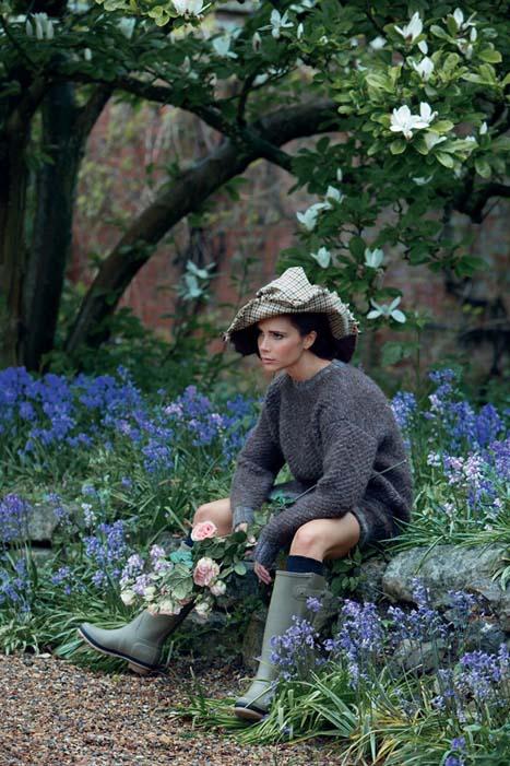 Victoria-Beckham-Vogue-UK-August-2014-03