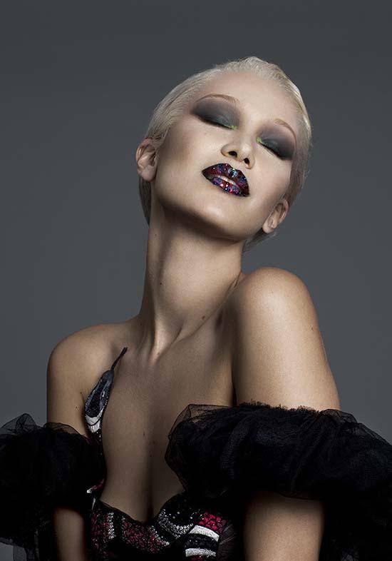 bella-hadid-blonde-for-paper-magazine-4