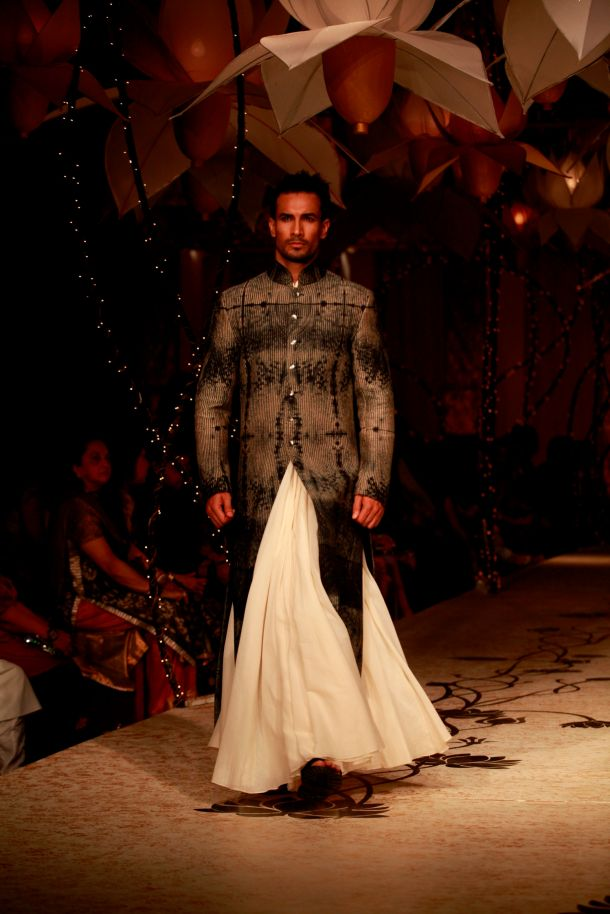 Seen at Aamby Valley India Bridal Fashion Week - Actor and Model Asif Azim walking for Rohit Bal