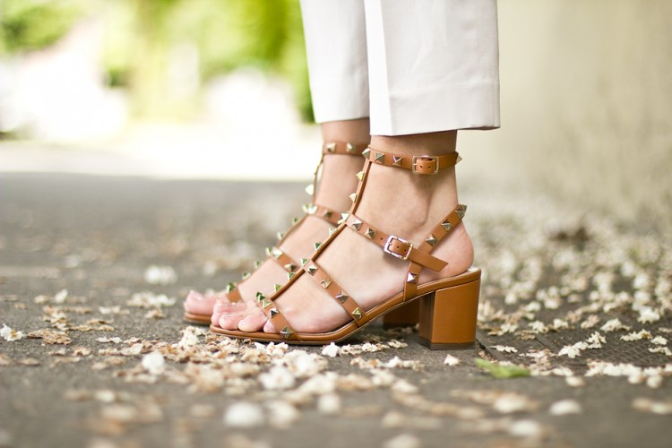 2978e7be3bd 14 New Valentino Rockstud Shoes For Summer 2016